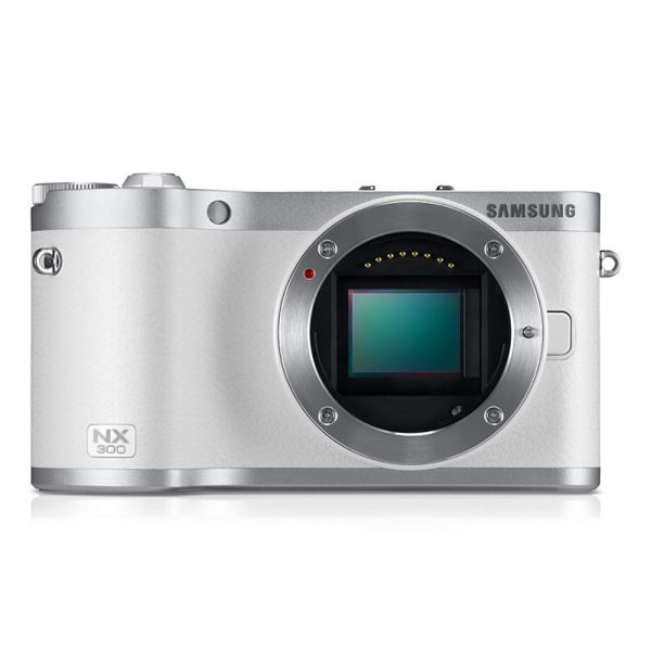 SAMSUNG NX300 18-55 + FLASH KIT (BEYAZ)